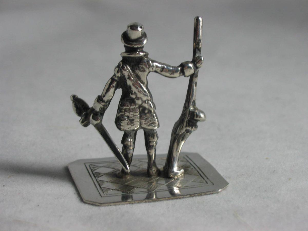 IMG 5931 1200x900 - Miniatuur soldaat met musket