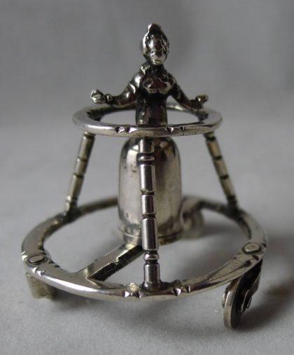 P1060541 420x507 - Miniatuur kind in looprek Arnoldus van Geffen