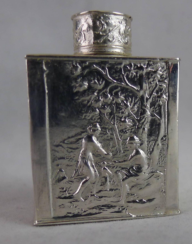 P1110862 1200x1525 - Miniatuur zilveren theebus