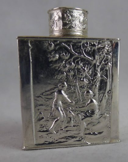 P1110862 420x534 - Miniatuur zilveren theebus