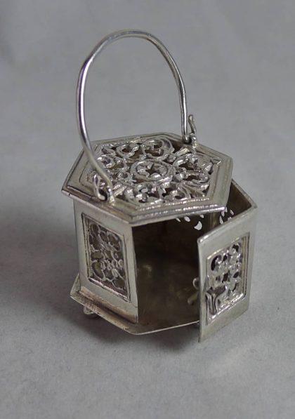 P1160711 420x597 - Miniatuur stoofje