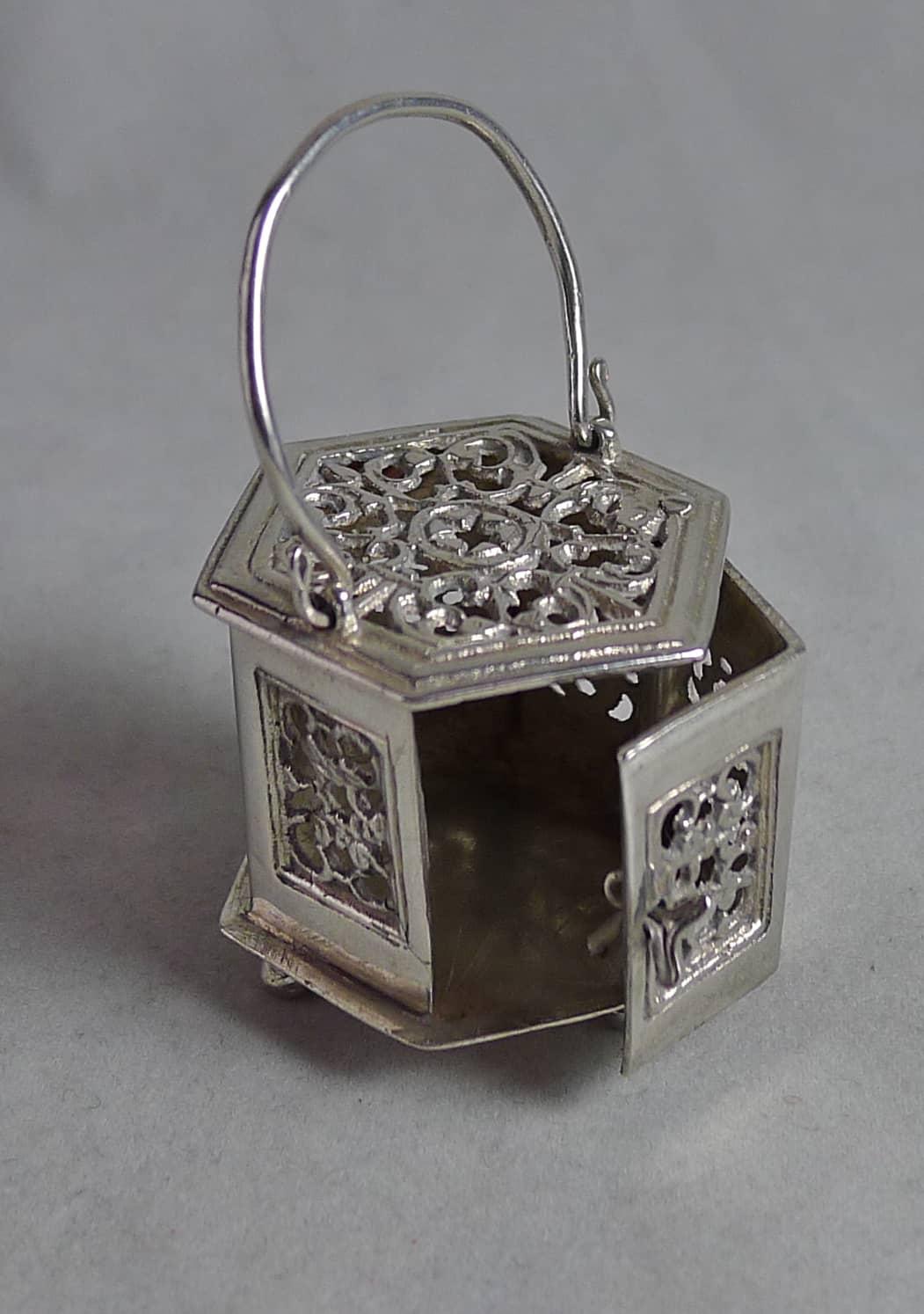 P1160711 - Miniatuur stoofje (verkocht )