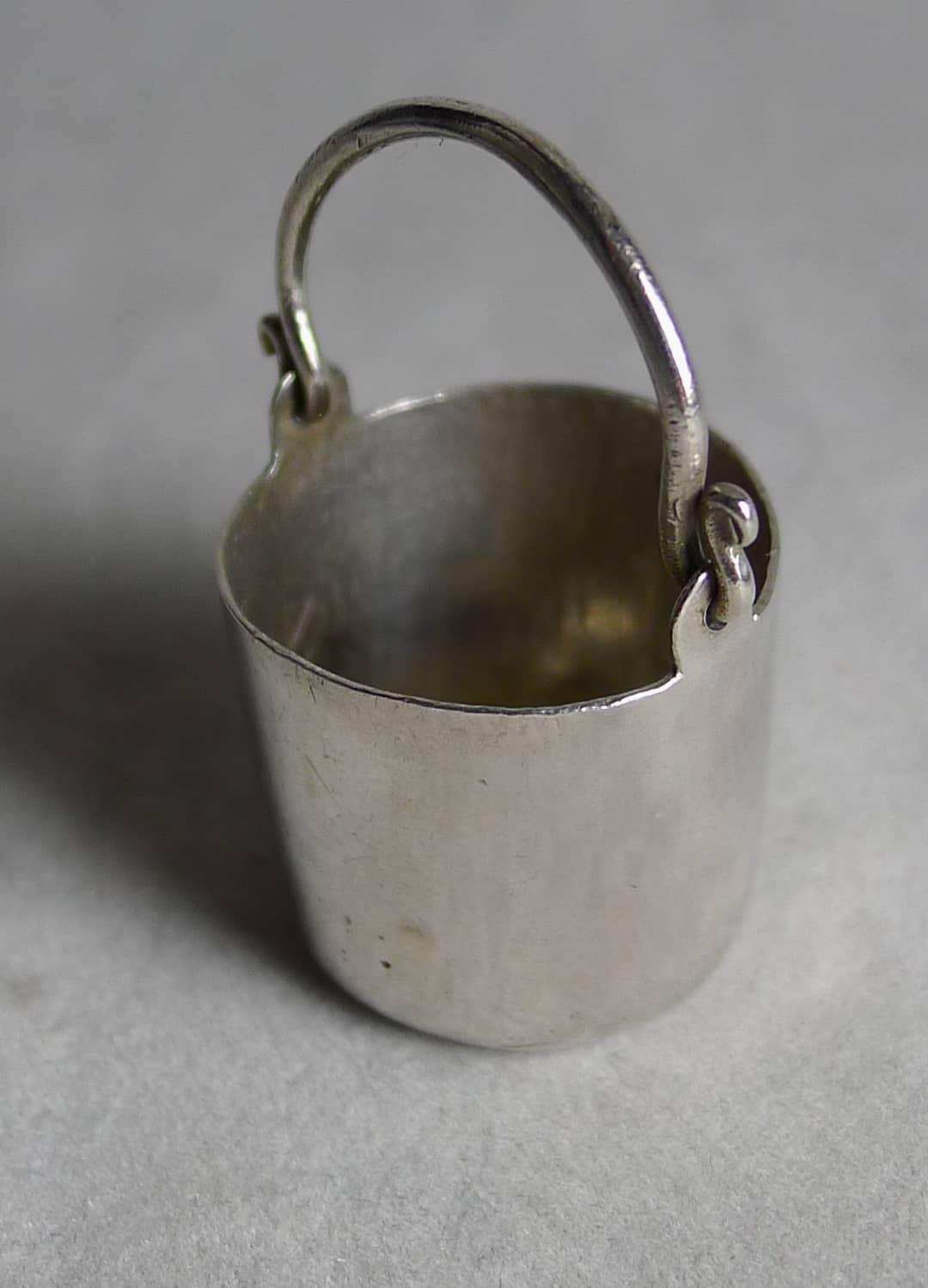 P1170143 - Miniatuur zilveren emmer