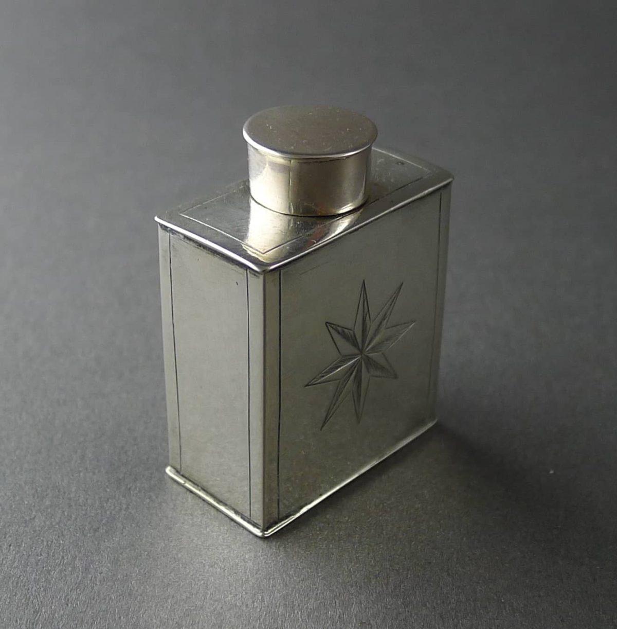 P1200175 1200x1222 - Miniatuur theebus (verkocht )