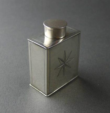 P1200175 420x428 - Miniatuur theebus