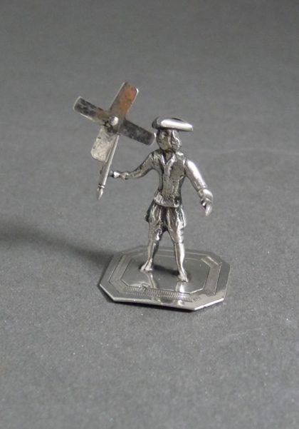 P1320635 420x601 - Miniatuur man met molen
