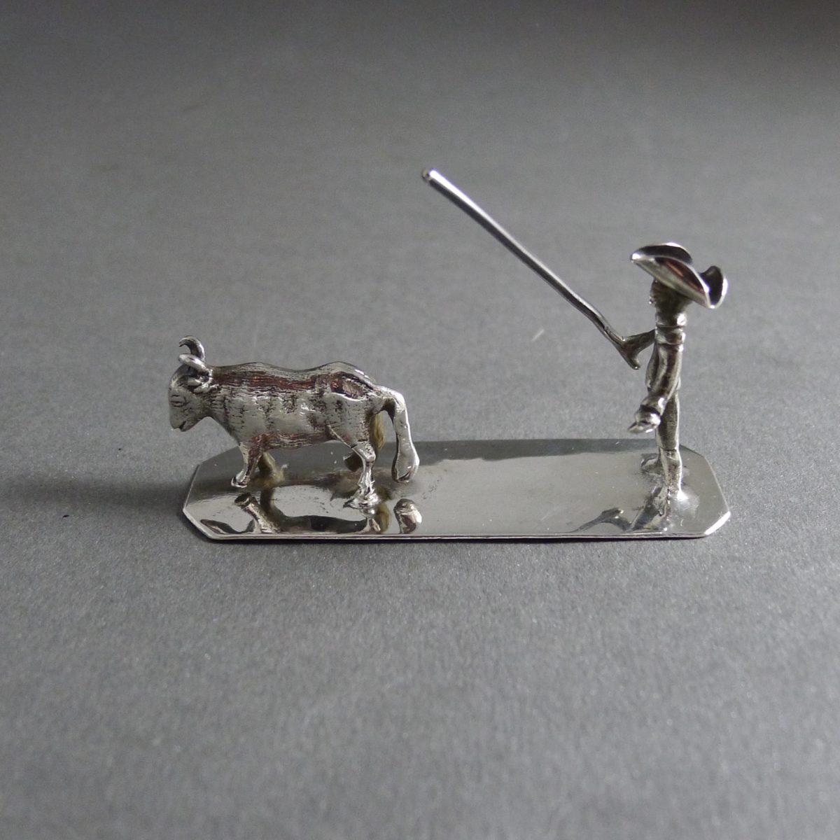 P1330610 1200x1200 - Miniatuur man met koe  ( verkocht )