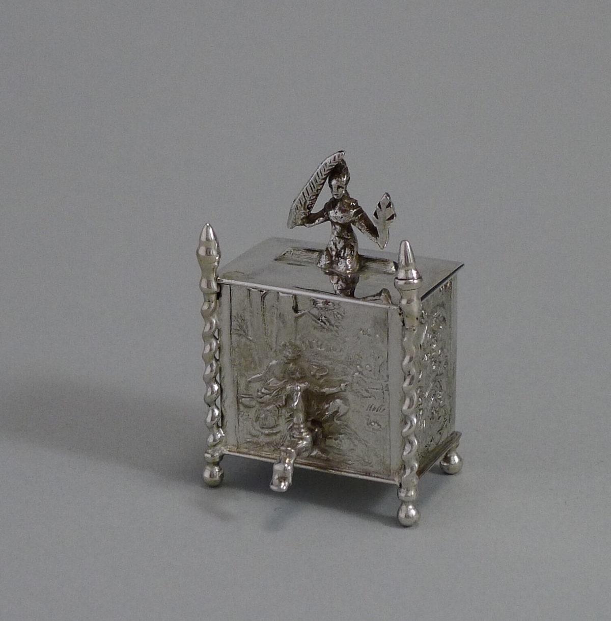 P1340965 1200x1219 - Miniatuur zilver wandfontein ( verkocht )