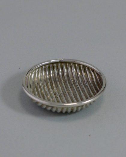 P1340982 420x525 - Miniatuur schotel