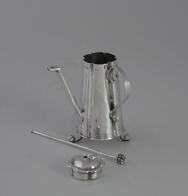 P1350082 1200x1251 - Miniatuur zilveren chocolade kan  ( verkocht )