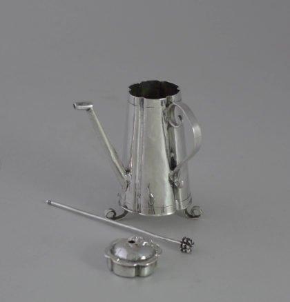 P1350082 420x438 - Miniatuur zilveren chocolade kan  ( verkocht )