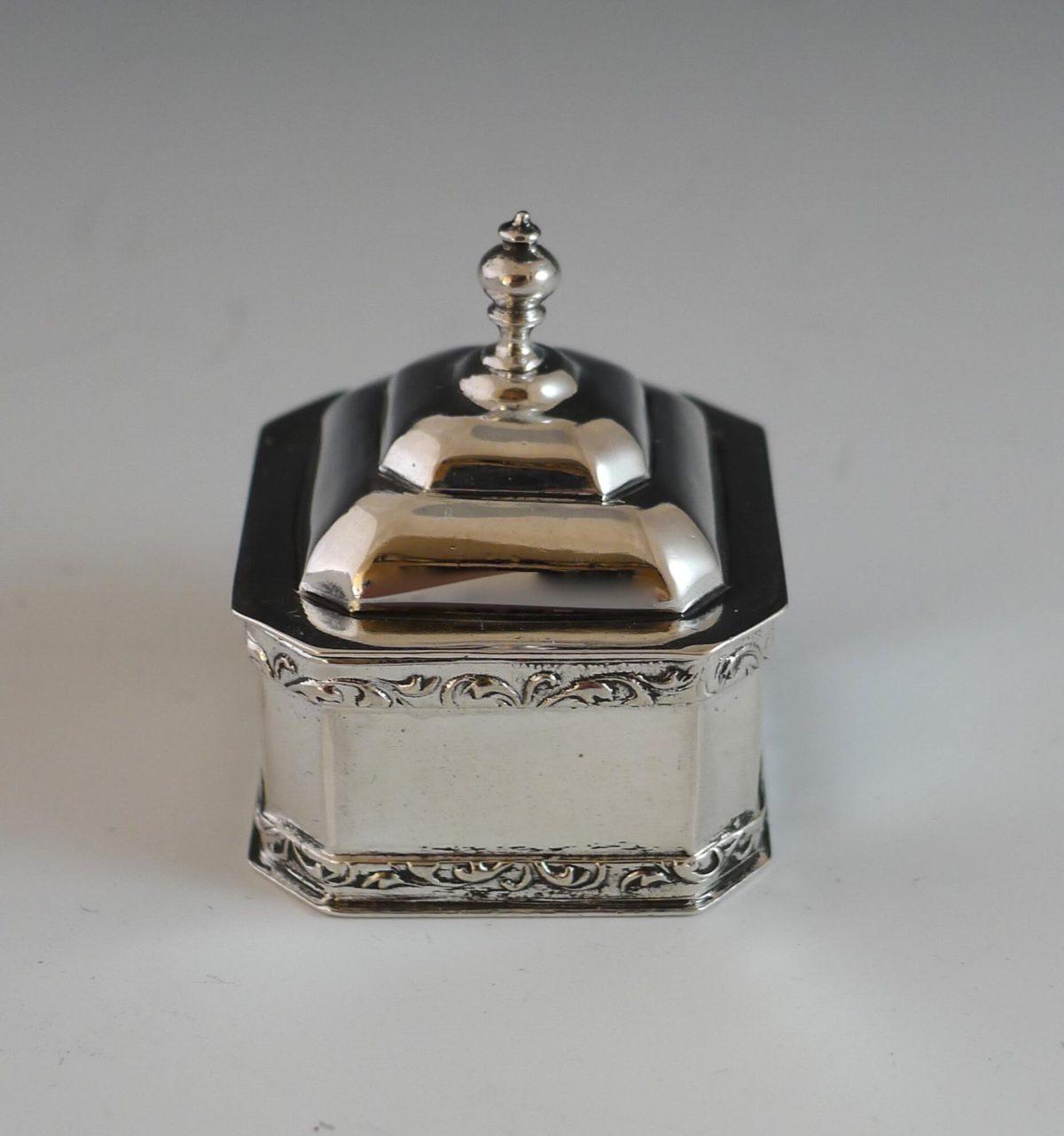 P1350230 1200x1281 - Miniatuur tabakspot ( verkocht )