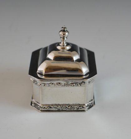 P1350230 420x448 - Miniatuur tabakspot ( verkocht )