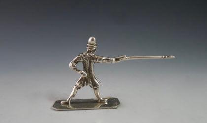 P1380187 420x251 - Miniatuur man met lans (verkocht)