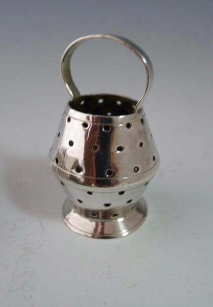 P1380280 420x605 - Miniatuur vismand