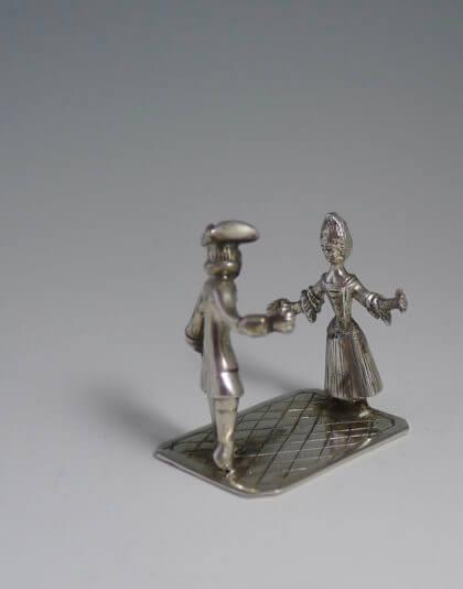 P1380661 420x534 - Dansend paar