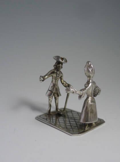P1380662 420x568 - Dansend paar