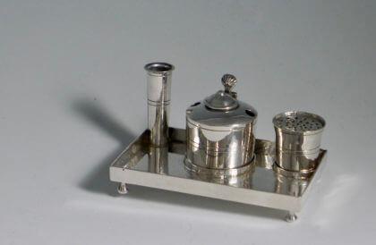 P1380671 420x274 - Miniatuur inktstel