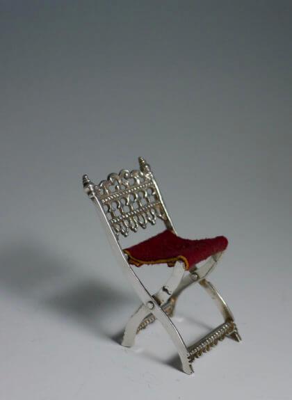 P1380680 420x575 - Miniatuur stoel (verkocht)
