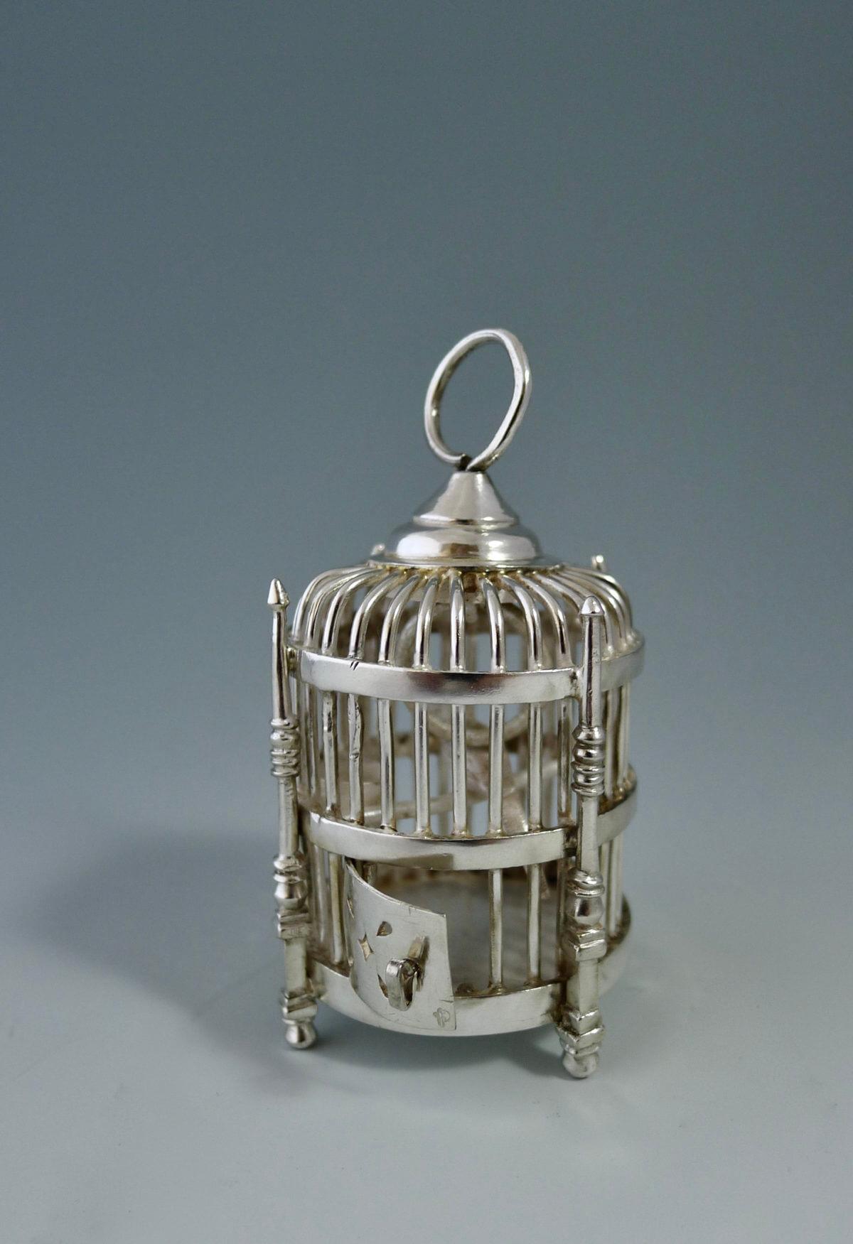 P1380720 1200x1751 - Miniatuur vogelkooi