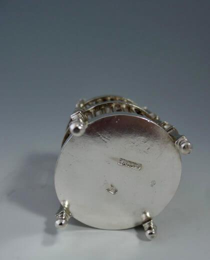 P1380722 420x520 - Miniatuur vogelkooi
